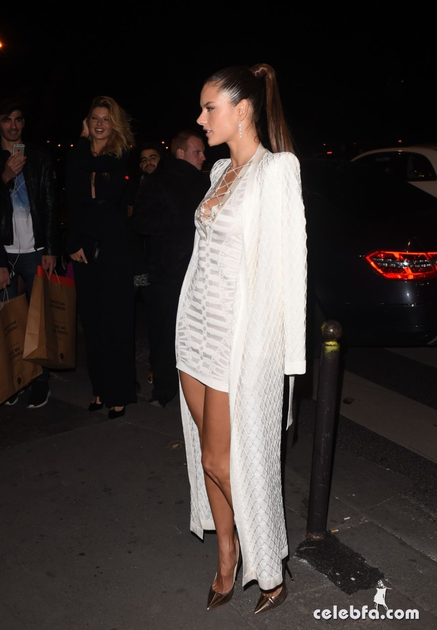 alessandra-ambrosio-at-balmain-fashion-show-after-party-in-paris (4)