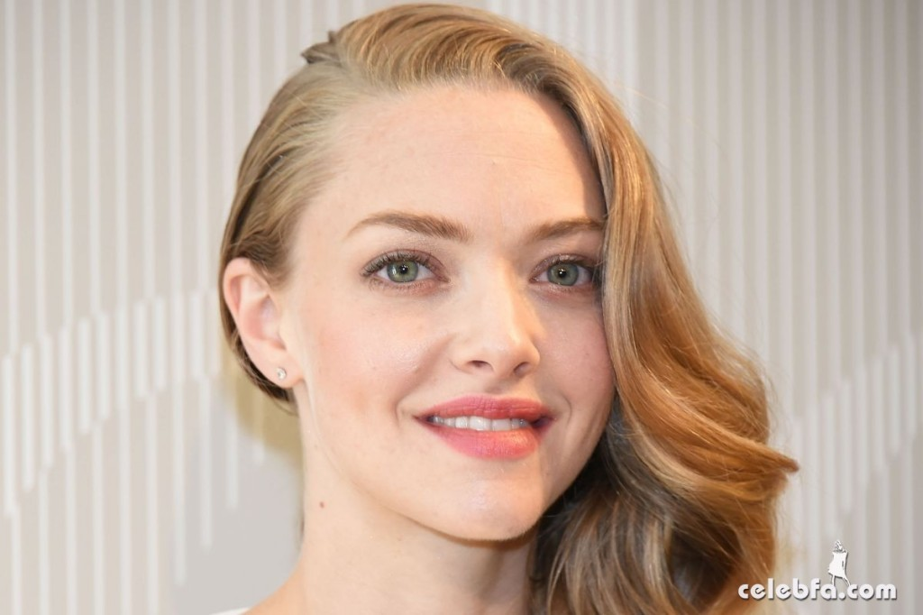 amanda-seyfried-at-cle-de-peau-beauty-promotion-in-tokyo (10)