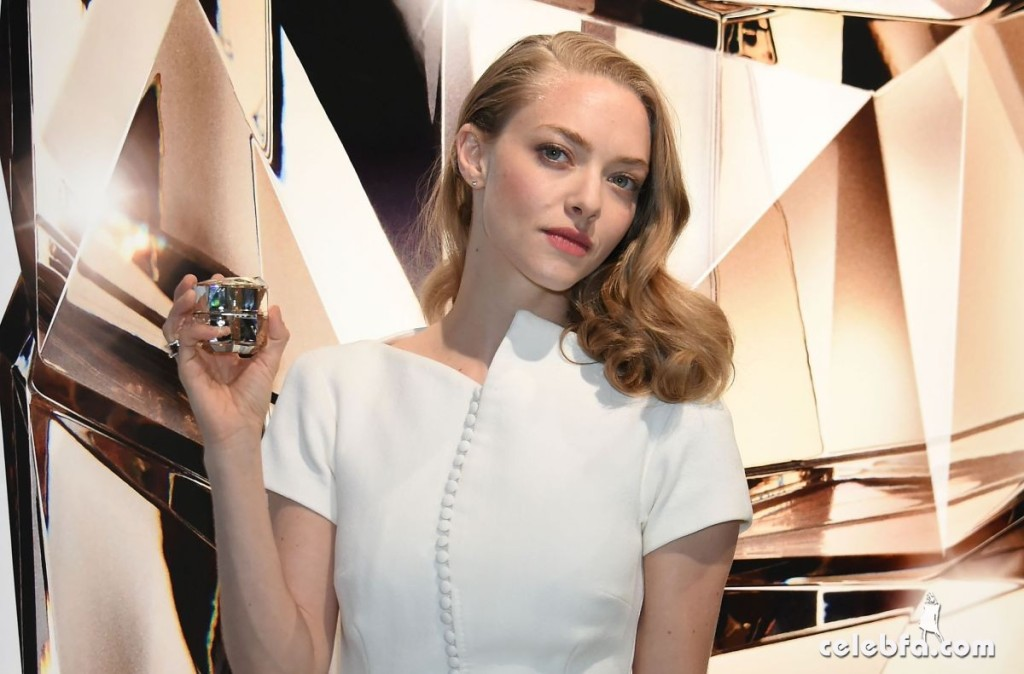amanda-seyfried-at-cle-de-peau-beauty-promotion-in-tokyo (11)