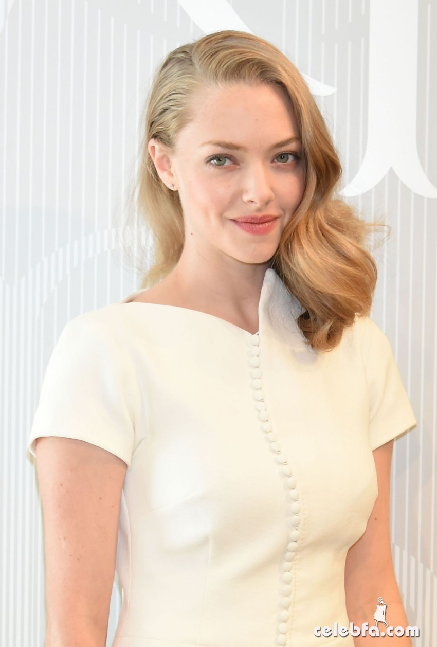 amanda-seyfried-at-cle-de-peau-beauty-promotion-in-tokyo (2)