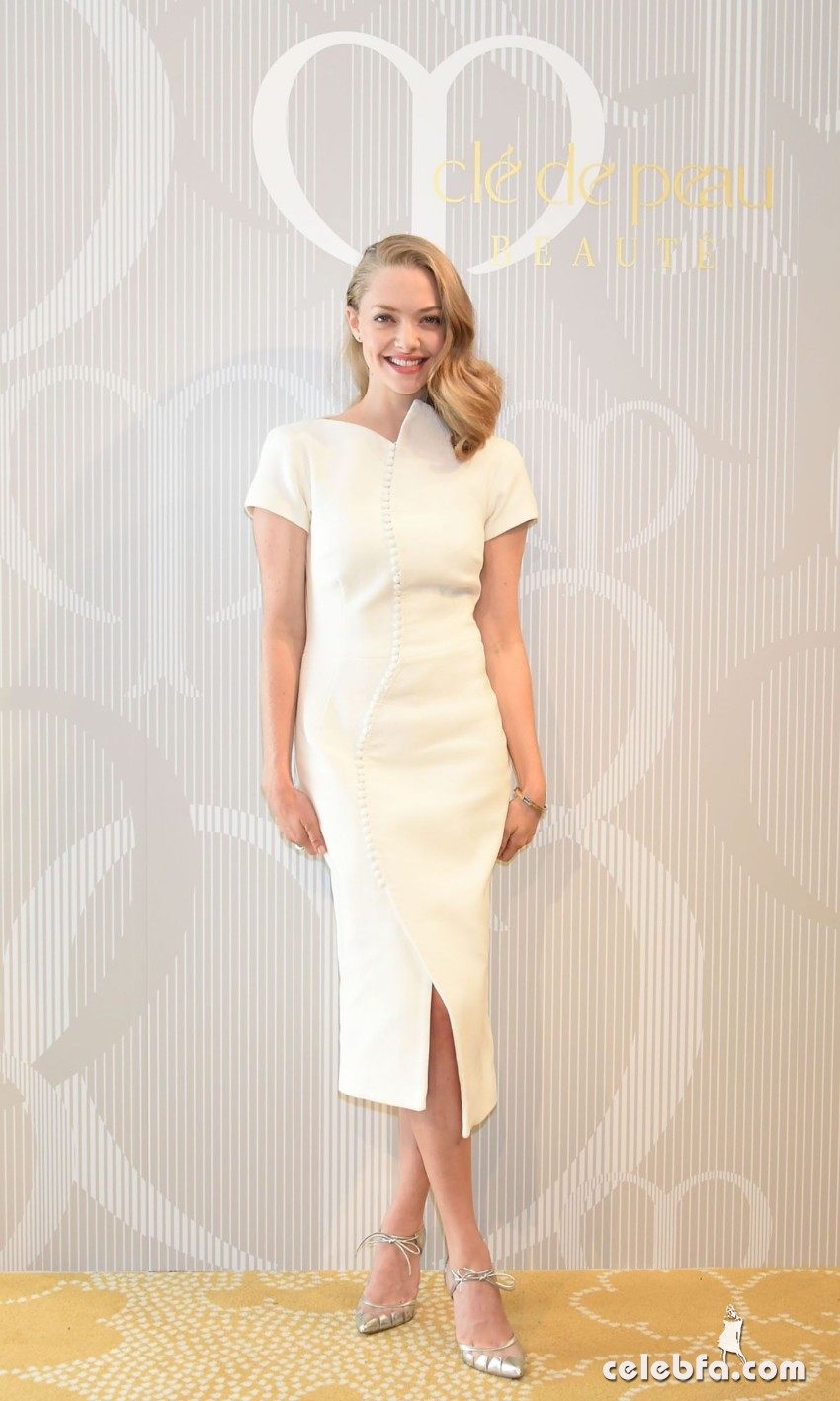amanda-seyfried-at-cle-de-peau-beauty-promotion-in-tokyo (4)