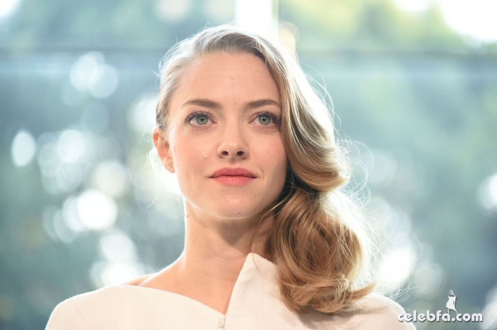 amanda-seyfried-at-cle-de-peau-beauty-promotion-in-tokyo (8)