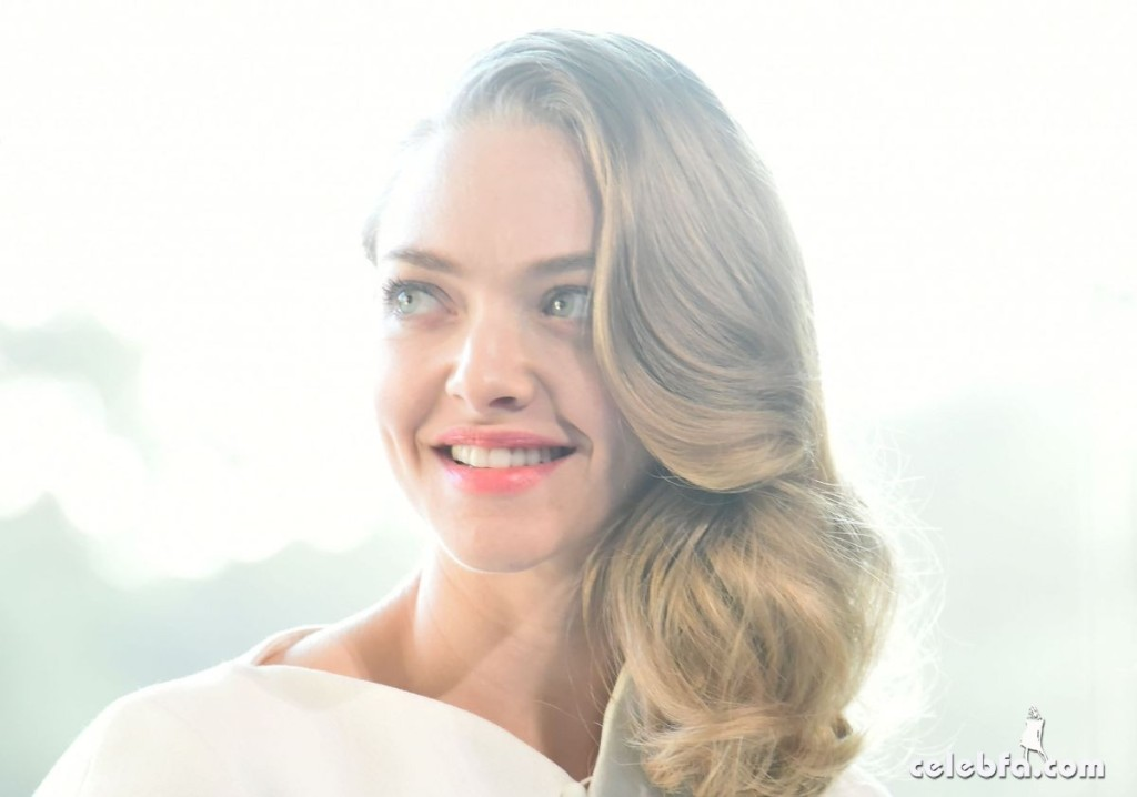 amanda-seyfried-at-cle-de-peau-beauty-promotion-in-tokyo (9)