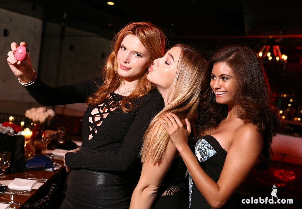 bella-thorne-celebrates-her-birthday-at-beso-restaurant-in-hollywood (3)
