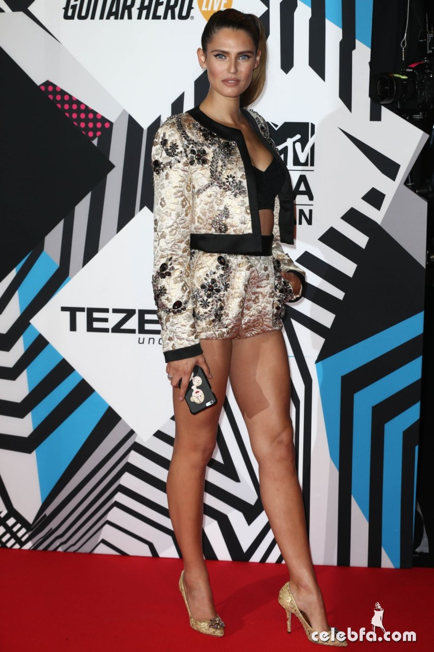 bianca-balti-at-mtv-european-music-awards-2015-in-milan (3)