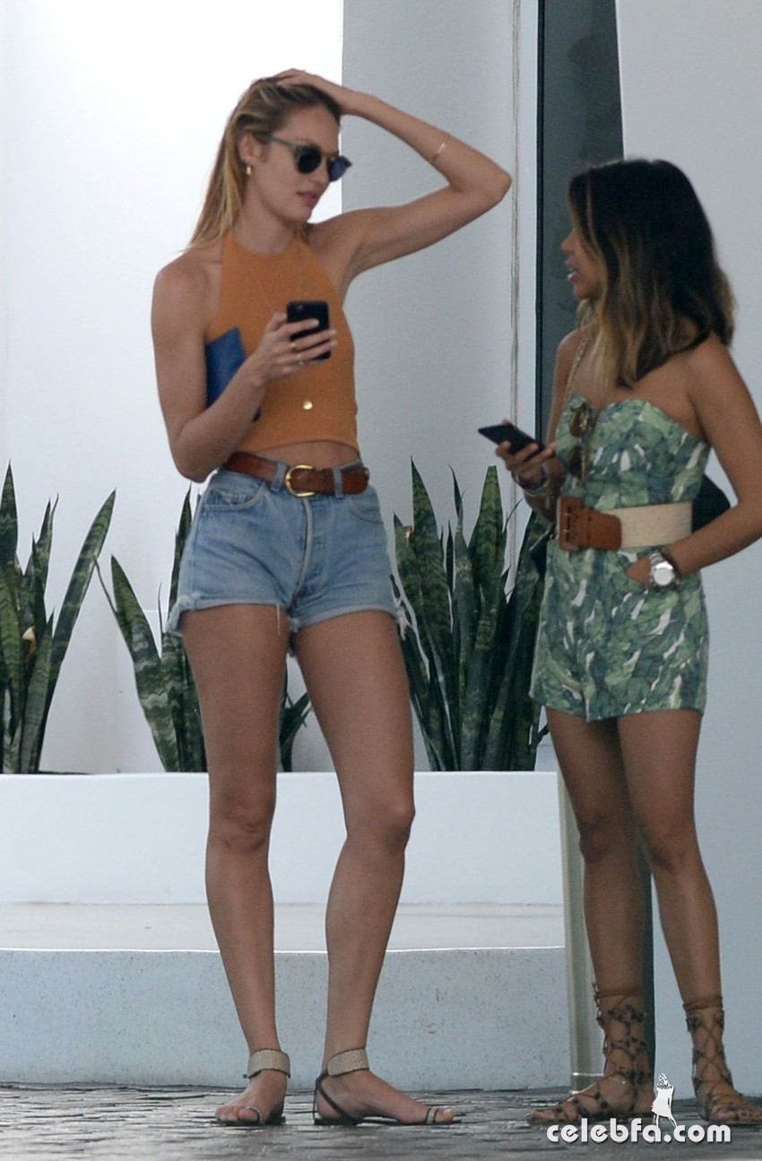 candice-swanepoel-in-cut-off-out-in-miami (7)