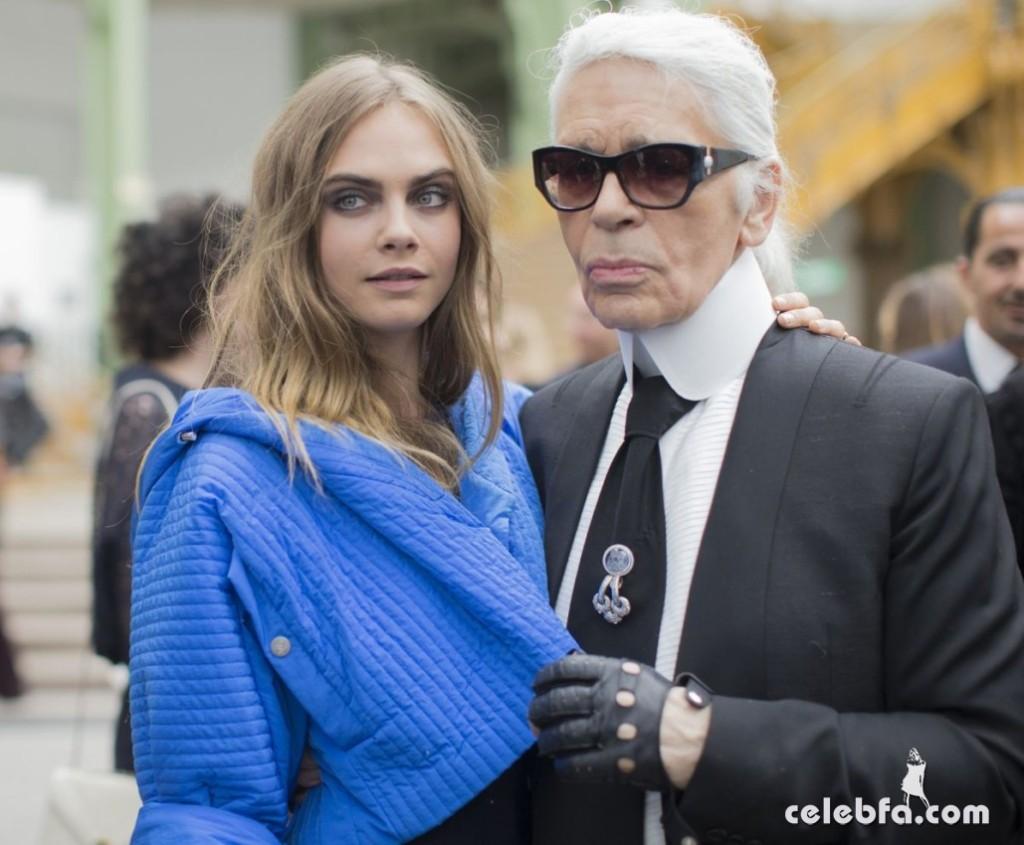cara-delevingne-at-chanel-fashion-show-at-paris-fashion-week (2)