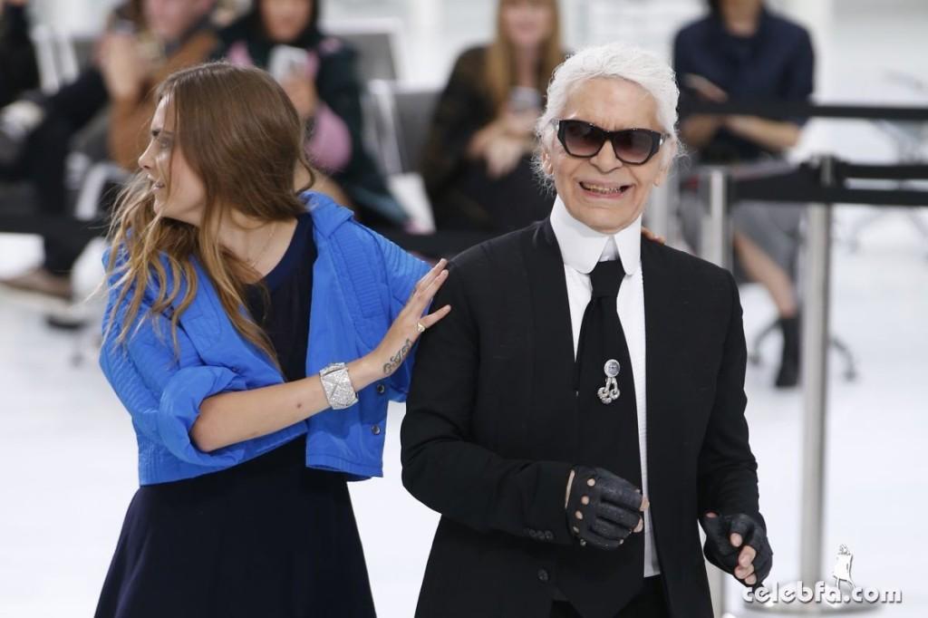 cara-delevingne-at-chanel-fashion-show-at-paris-fashion-week (4)