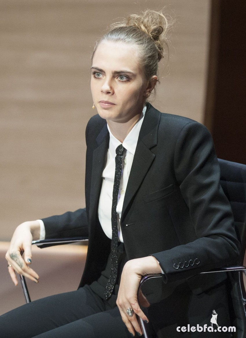 cara-delevingne-at-women-in-the-world-summit-in-london (4)