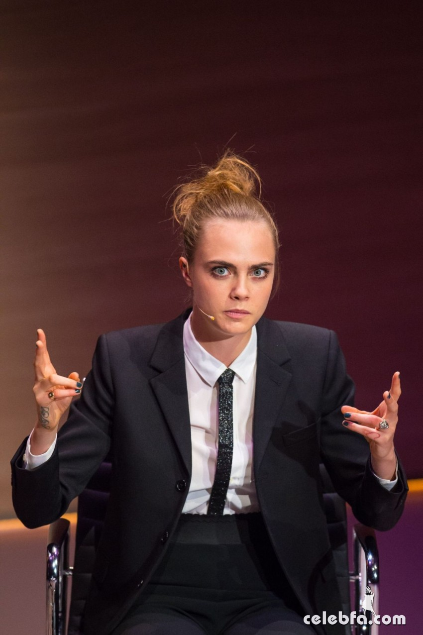 cara-delevingne-at-women-in-the-world-summit-in-london (6)
