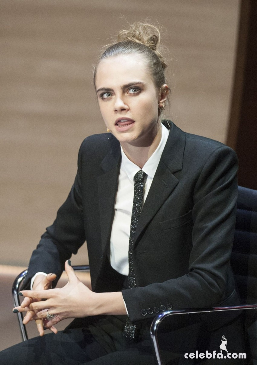 cara-delevingne-at-women-in-the-world-summit-in-london (7)