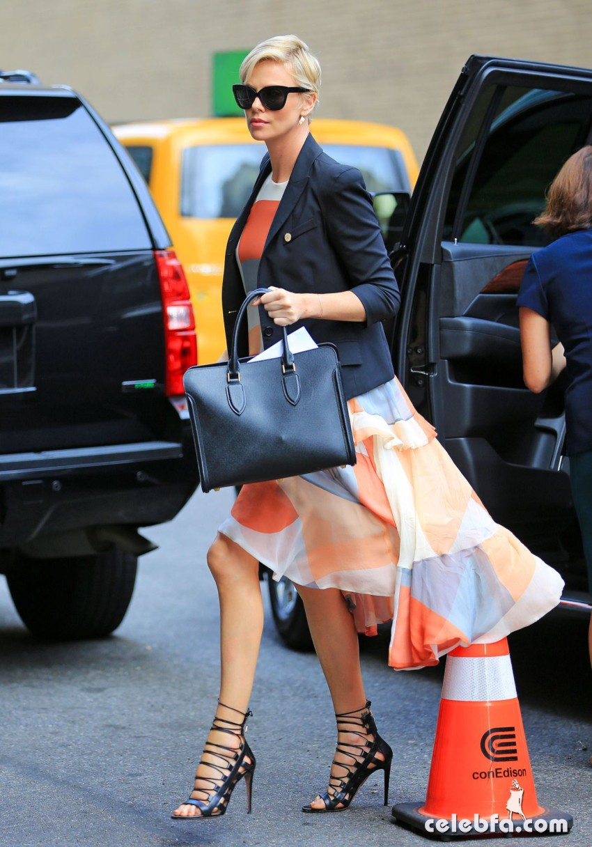 charlize-theron-out-and-about-in-new-york (1)