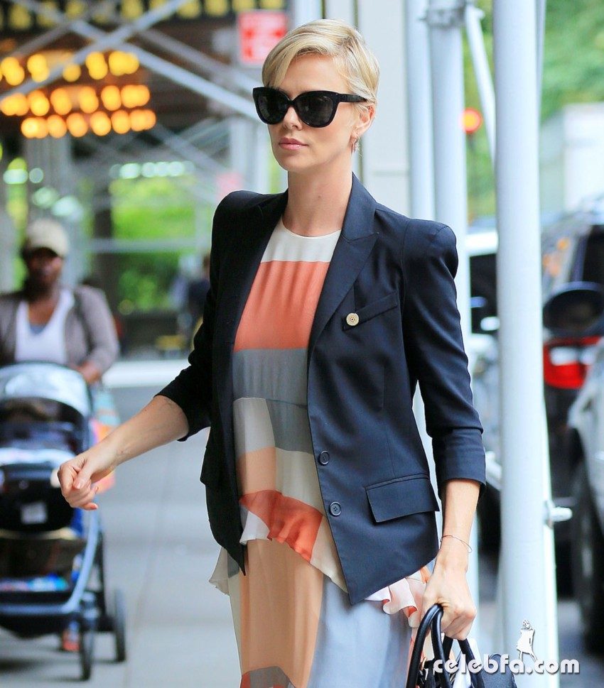 charlize-theron-out-and-about-in-new-york (2)
