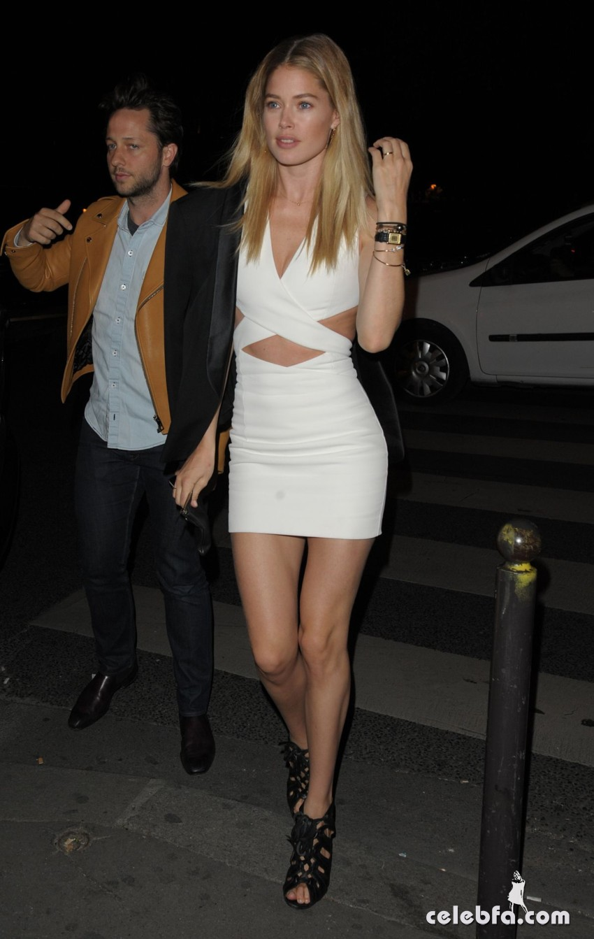 doutzen-kroes-at-balmain-fashion-show-after-party-paris  (4)