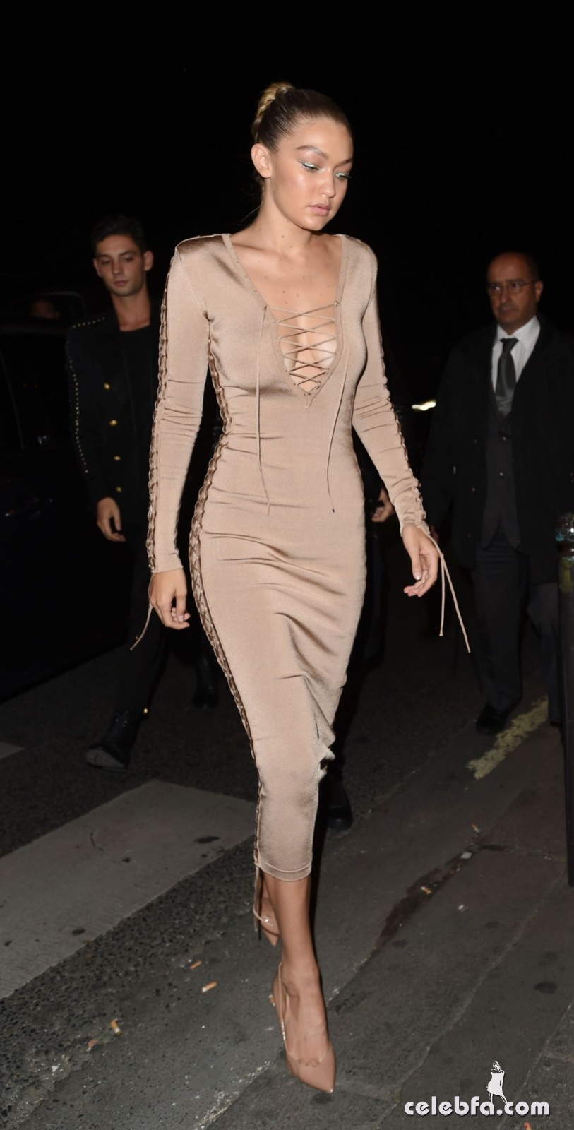 gigi-hadid-at-balmain-fashion-show-after-party-in-paris (4)