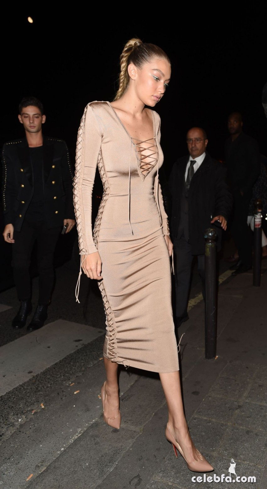 gigi-hadid-at-balmain-fashion-show-after-party-in-paris (5)