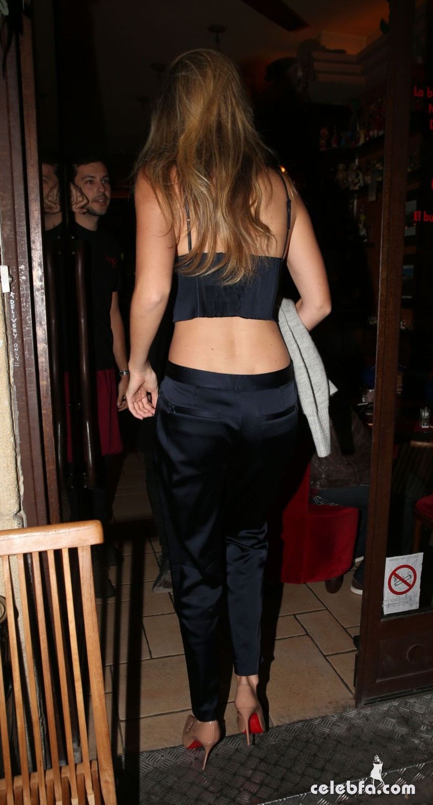 gigi-hadid-out-and-about-paris (6)