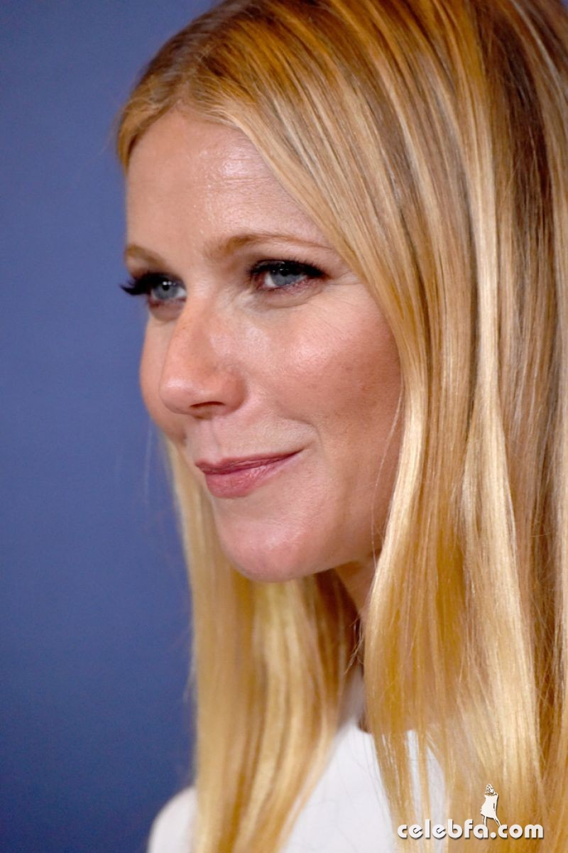 gwyneth-paltrow-at-power-of-women-luncheon-in-beverly-hills (7)
