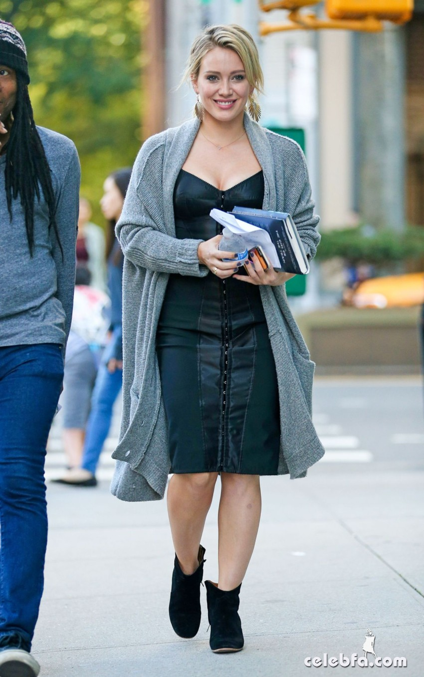 hilary-duff-at-younger-set-in-new-york (2)