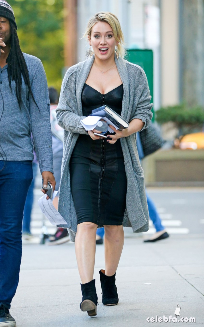 hilary-duff-at-younger-set-in-new-york (3)