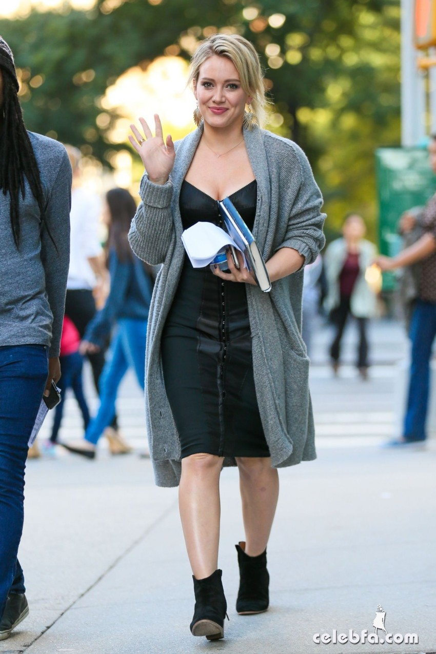 hilary-duff-at-younger-set-in-new-york (5)