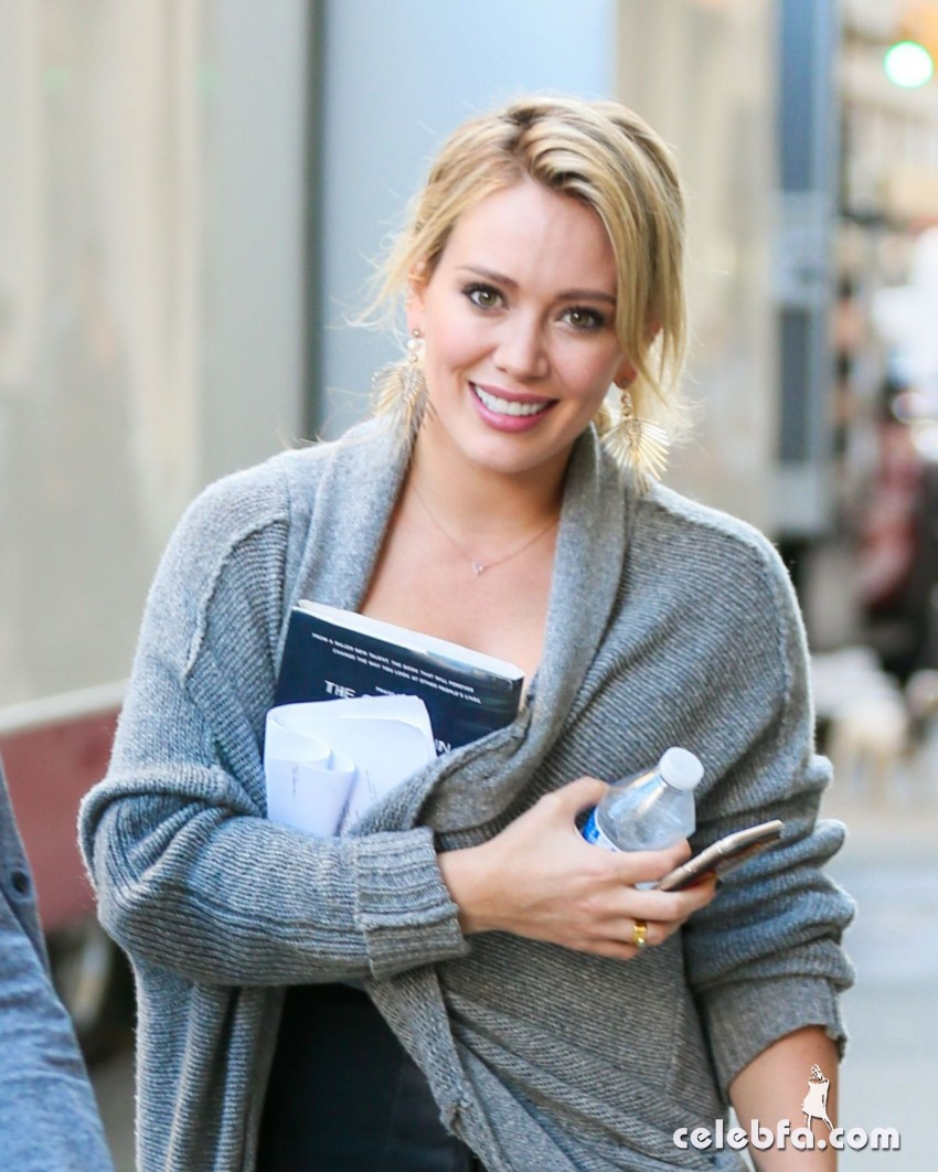 hilary-duff-at-younger-set-in-new-york (8)