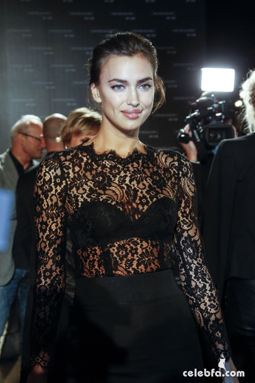 irina-shayk-at-intimissimi-on-ice-2015-gala-in-verona (1)