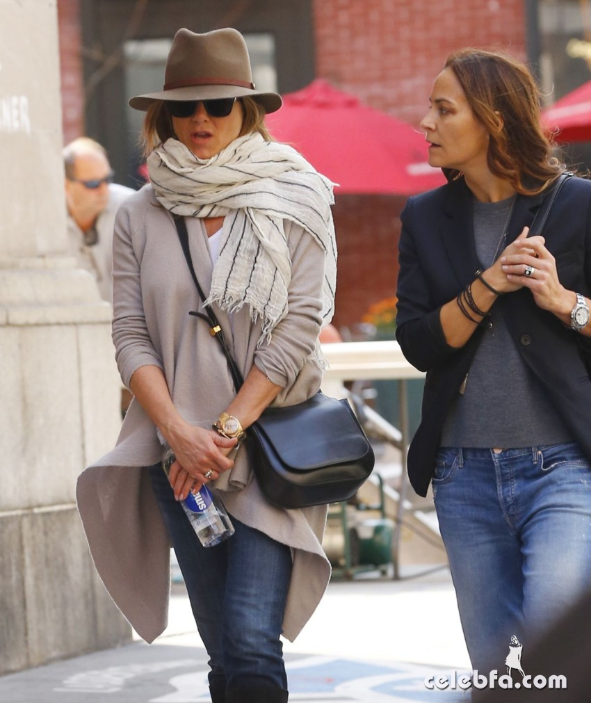 jennifer-aniston-out-and-about-in-new-york (3)