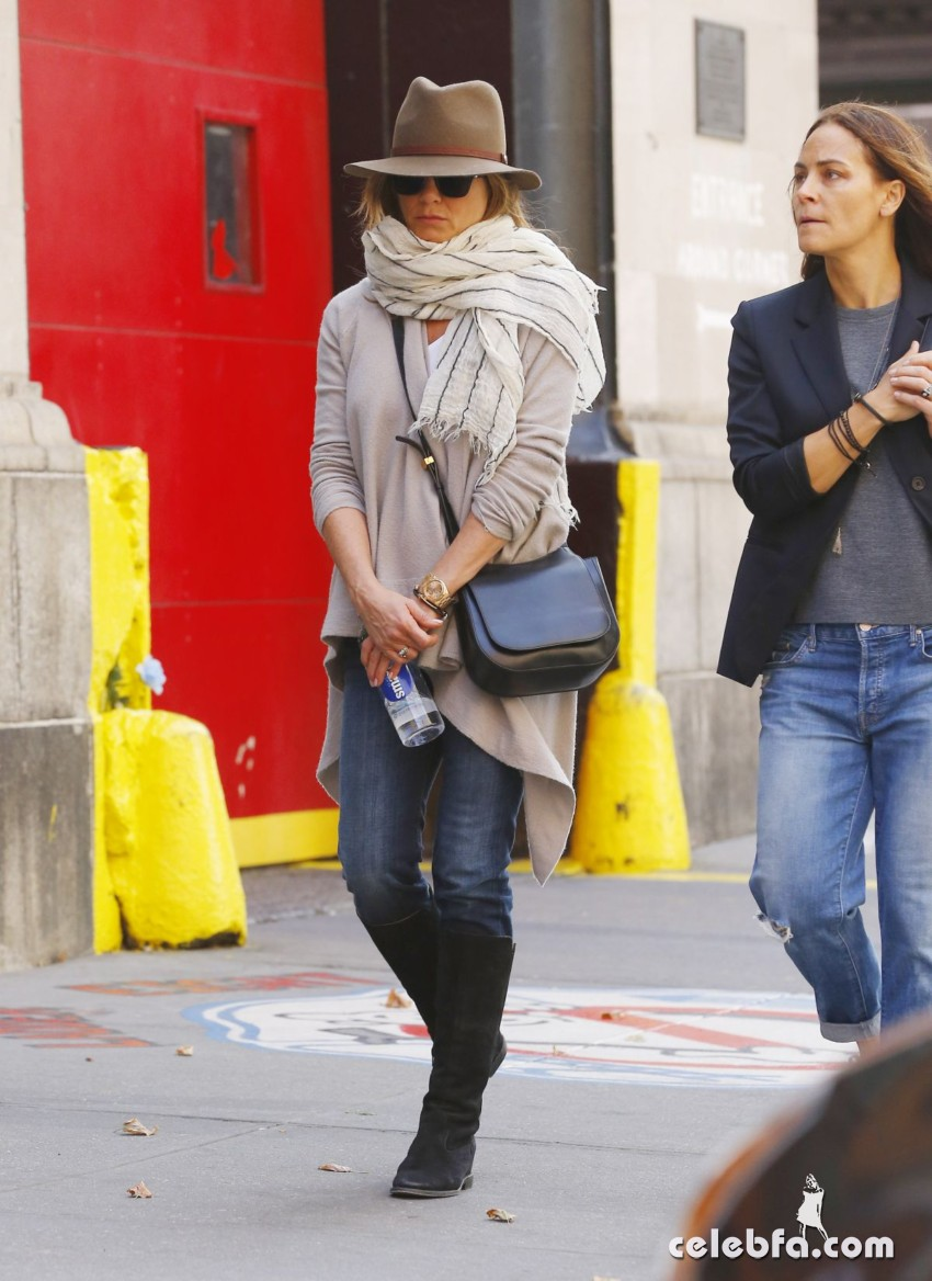 jennifer-aniston-out-and-about-in-new-york (5)