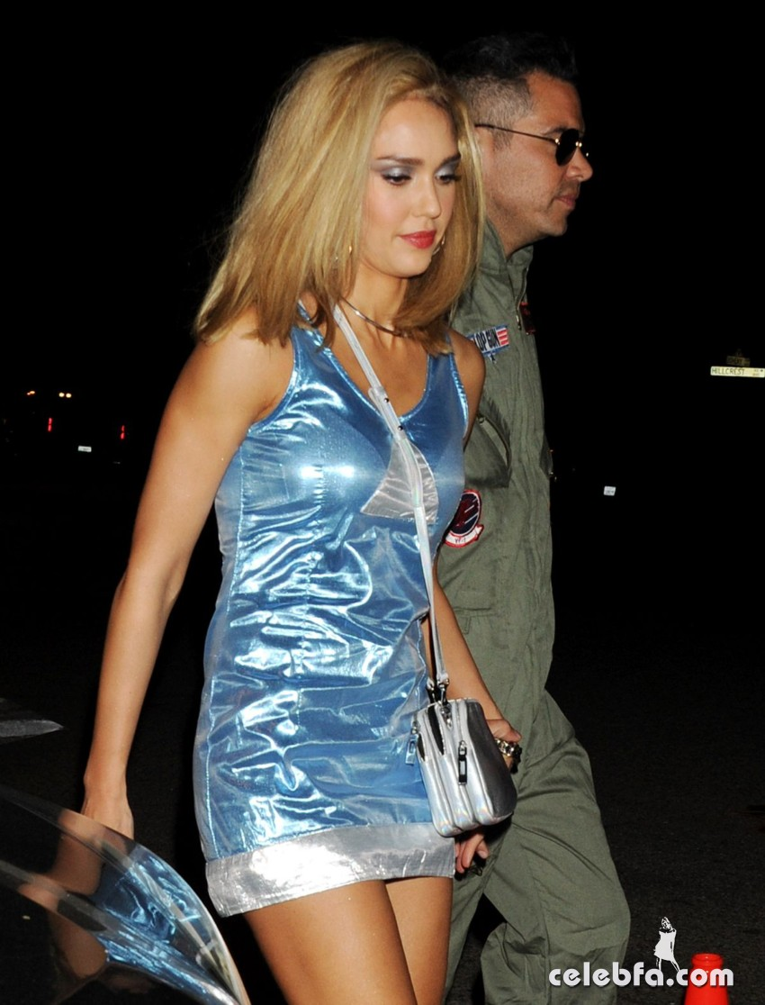 jessica-alba-at-casamigos-halloween-party (5)