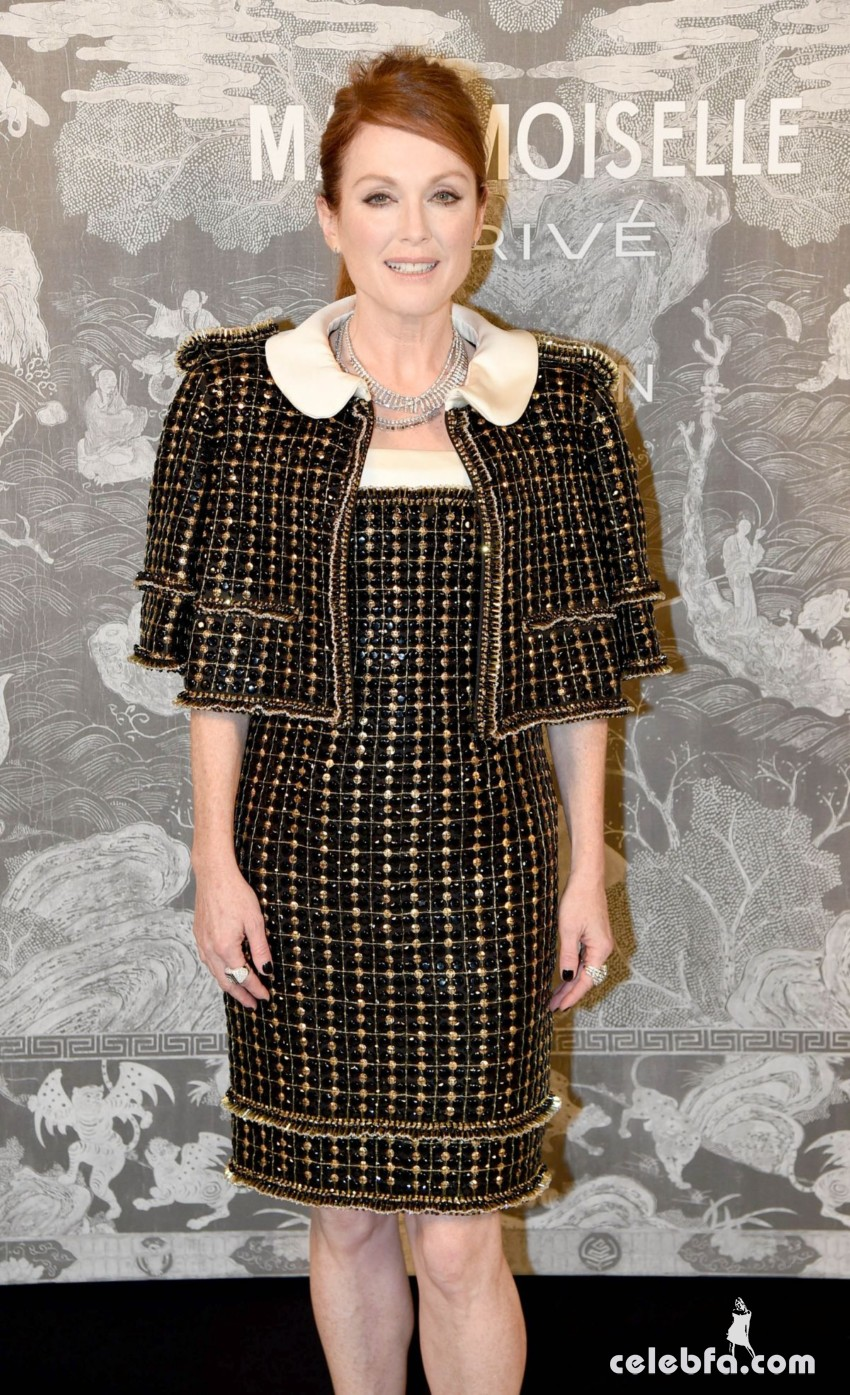 julianne-moore-at-chanel-exhibition-party-in-london (4)