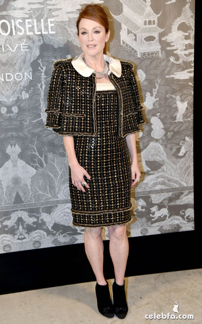 julianne-moore-at-chanel-exhibition-party-in-london (5)