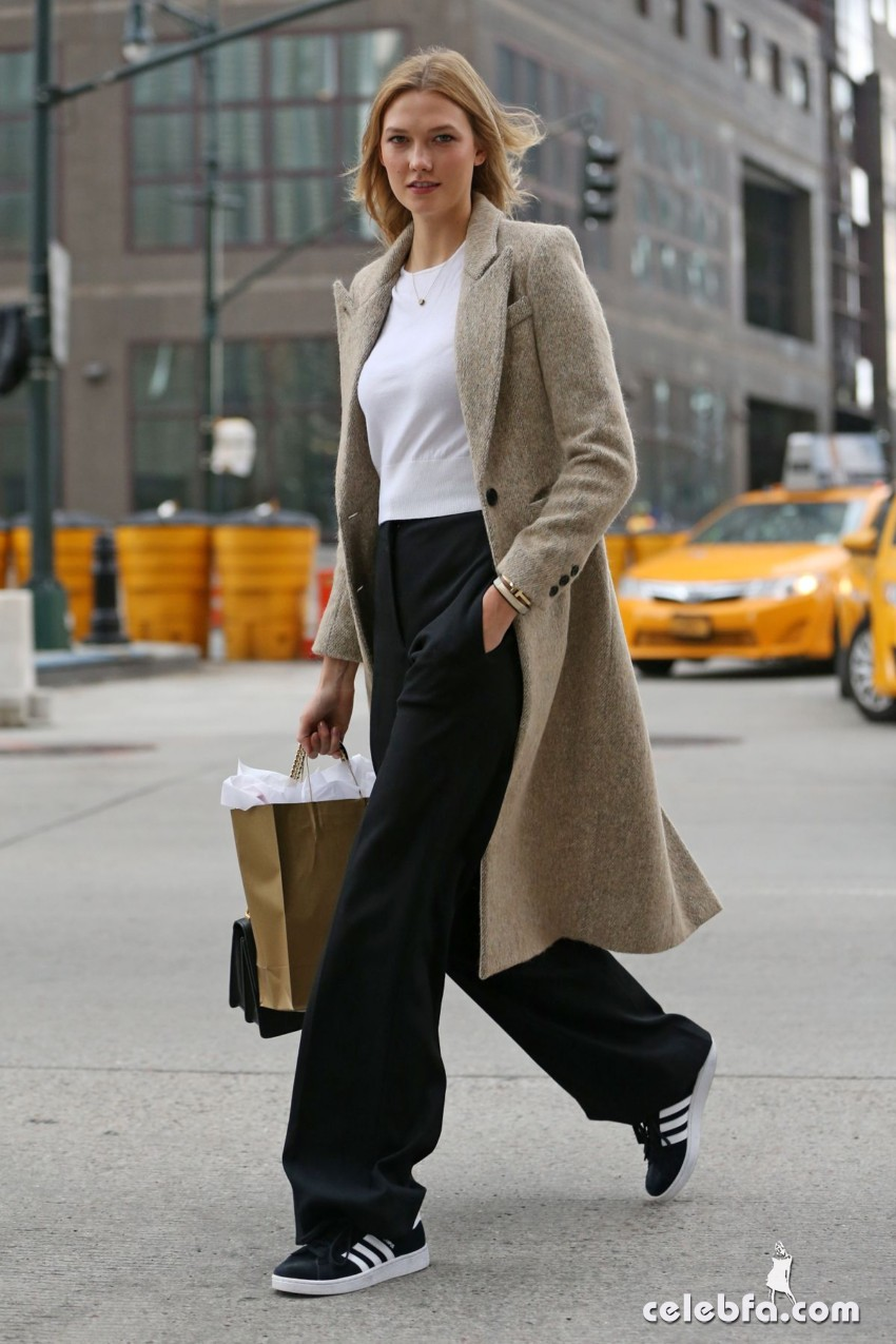 karlie-kloss-heading-to-a-meeting-in-new-york (6)