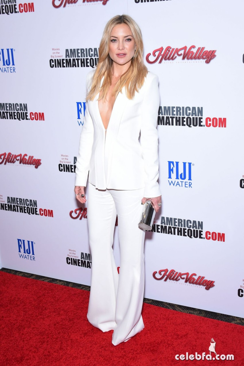 kate-hudson-at-american-cinematheque-honors-reese-witherspoon (1)