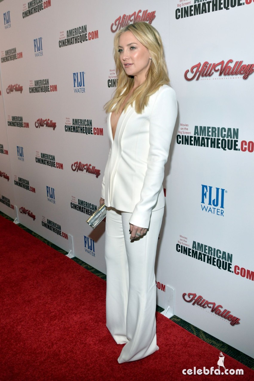 kate-hudson-at-american-cinematheque-honors-reese-witherspoon (4)