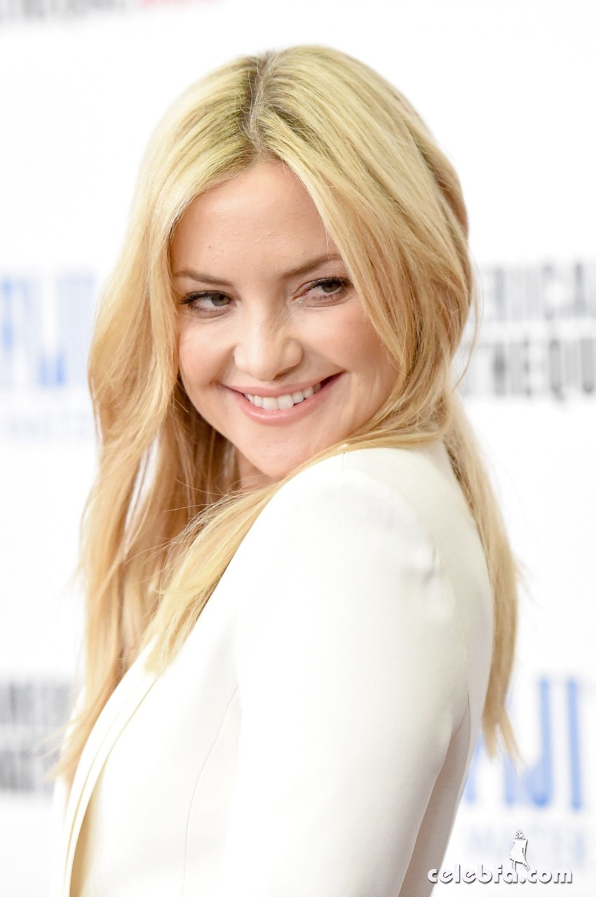 kate-hudson-at-american-cinematheque-honors-reese-witherspoon (5)