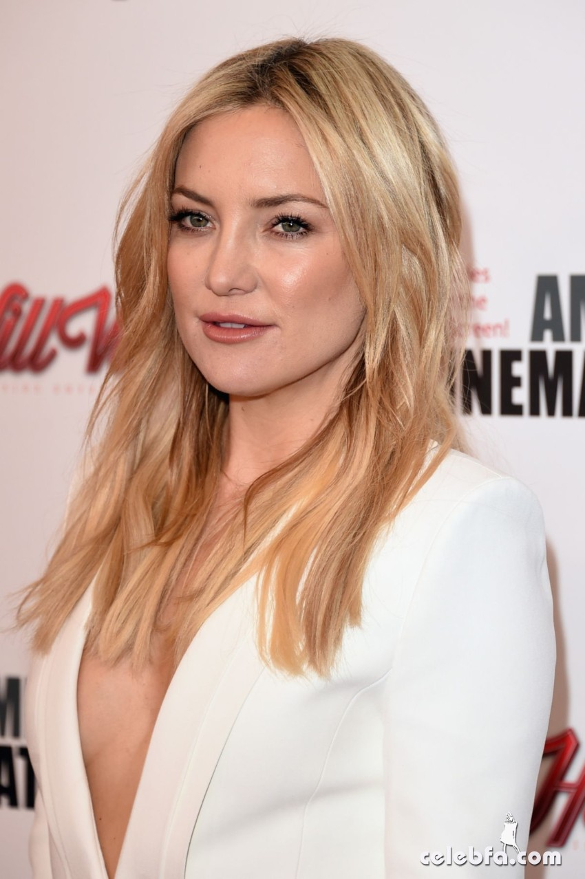 kate-hudson-at-american-cinematheque-honors-reese-witherspoon (6)