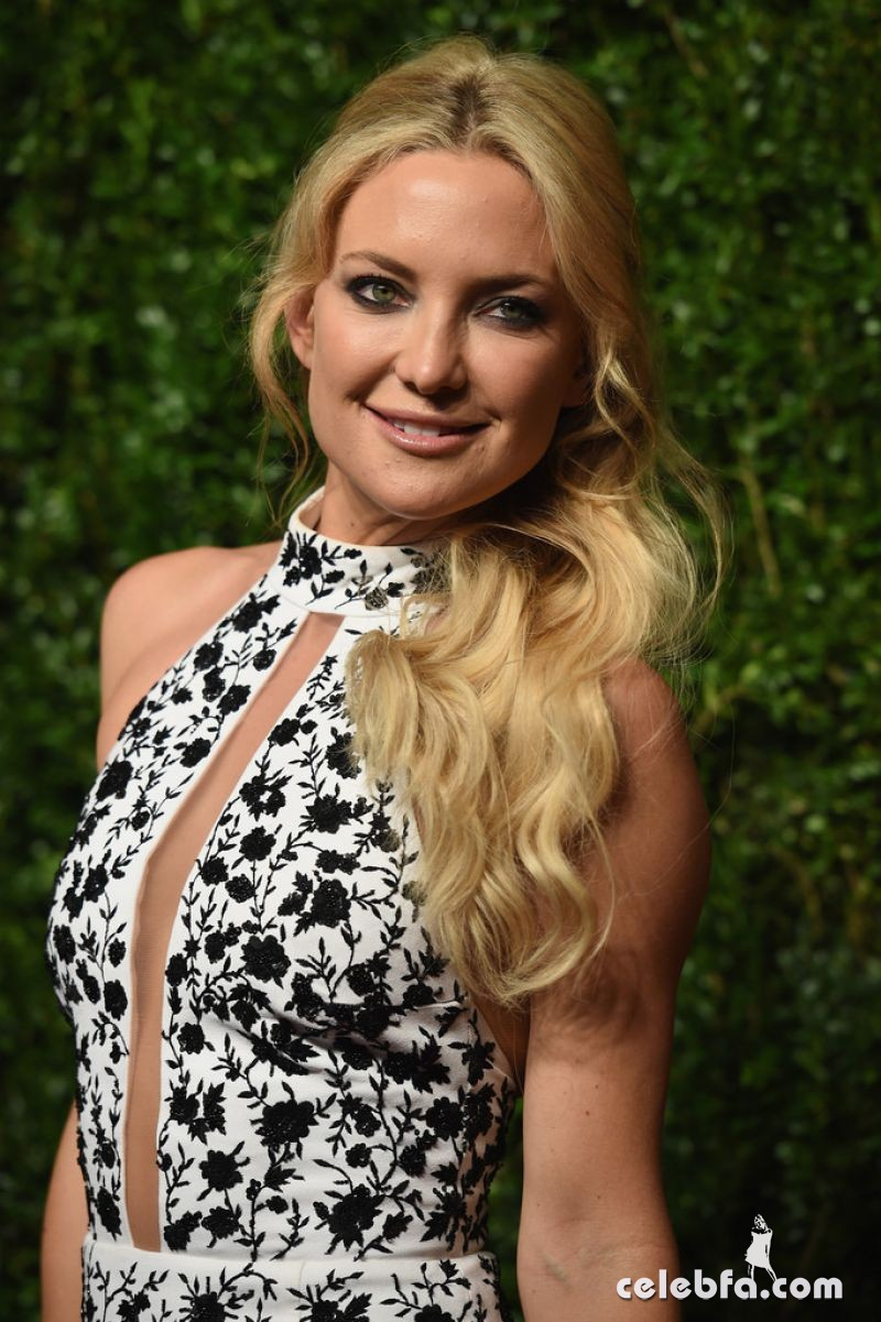 kate-hudson-at-god-s-love-we-deliver-golden-heart-awards-in-new-york (4)