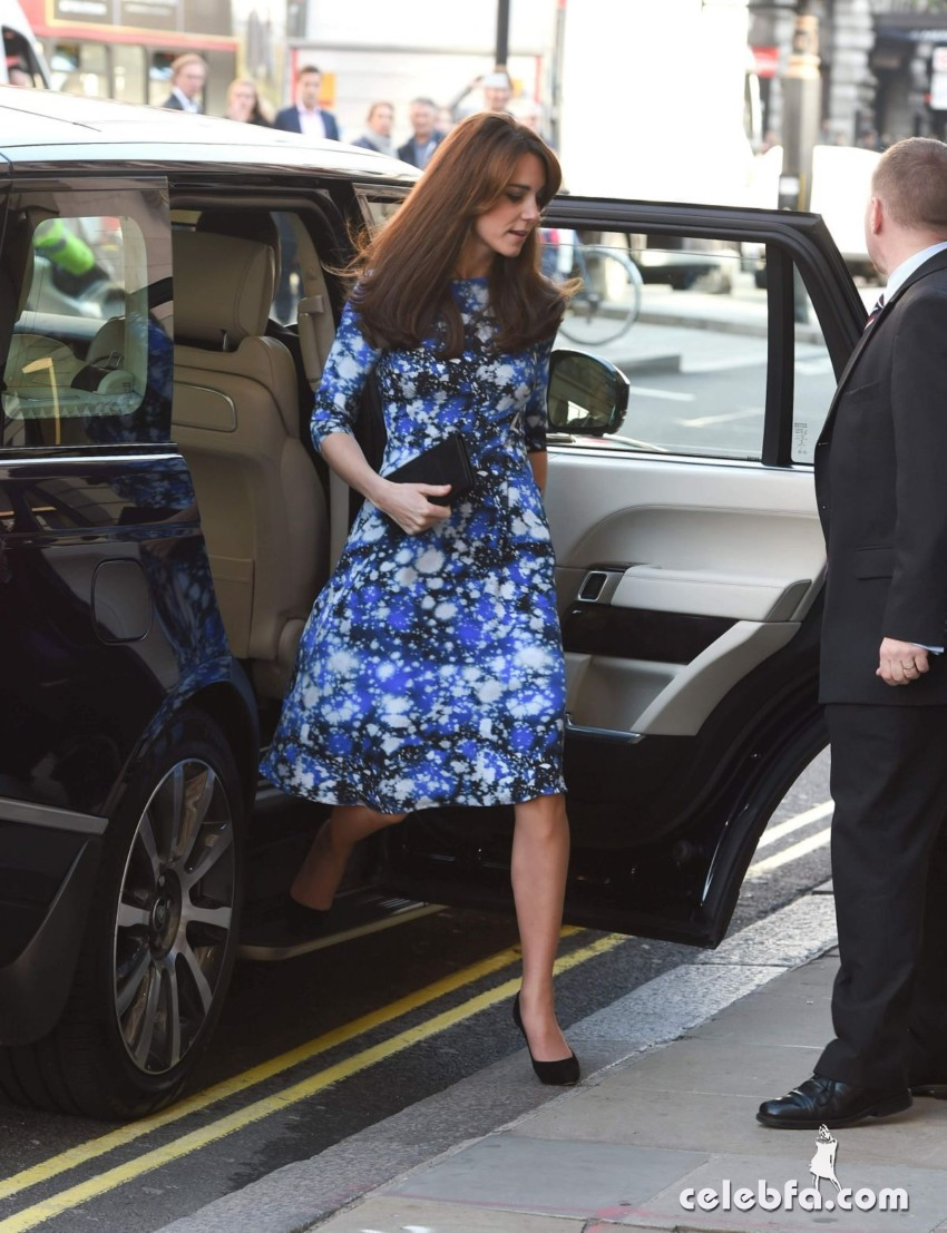 kate-middleton-baftahheadquarters-piccadilly-in-london  (13)
