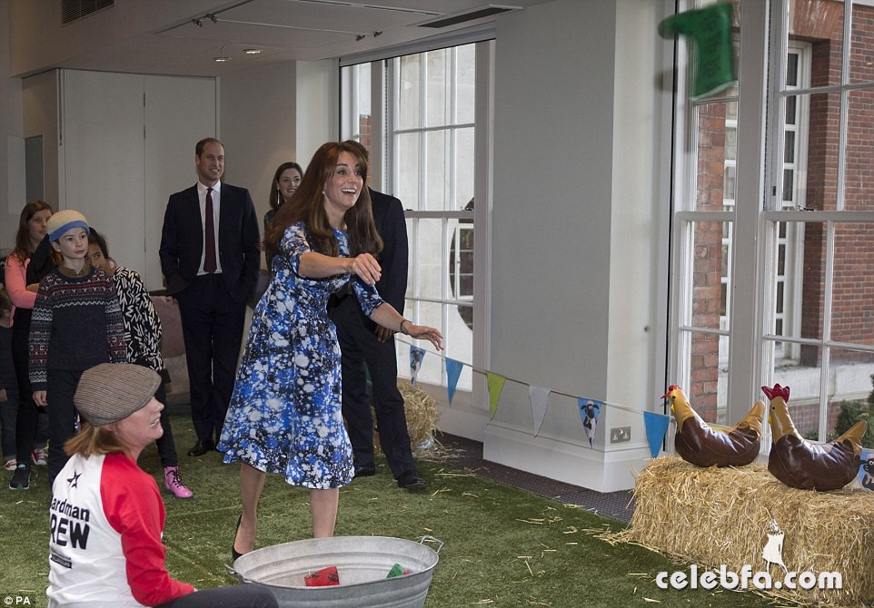 kate-middleton-baftahheadquarters-piccadilly-in-london  (5)
