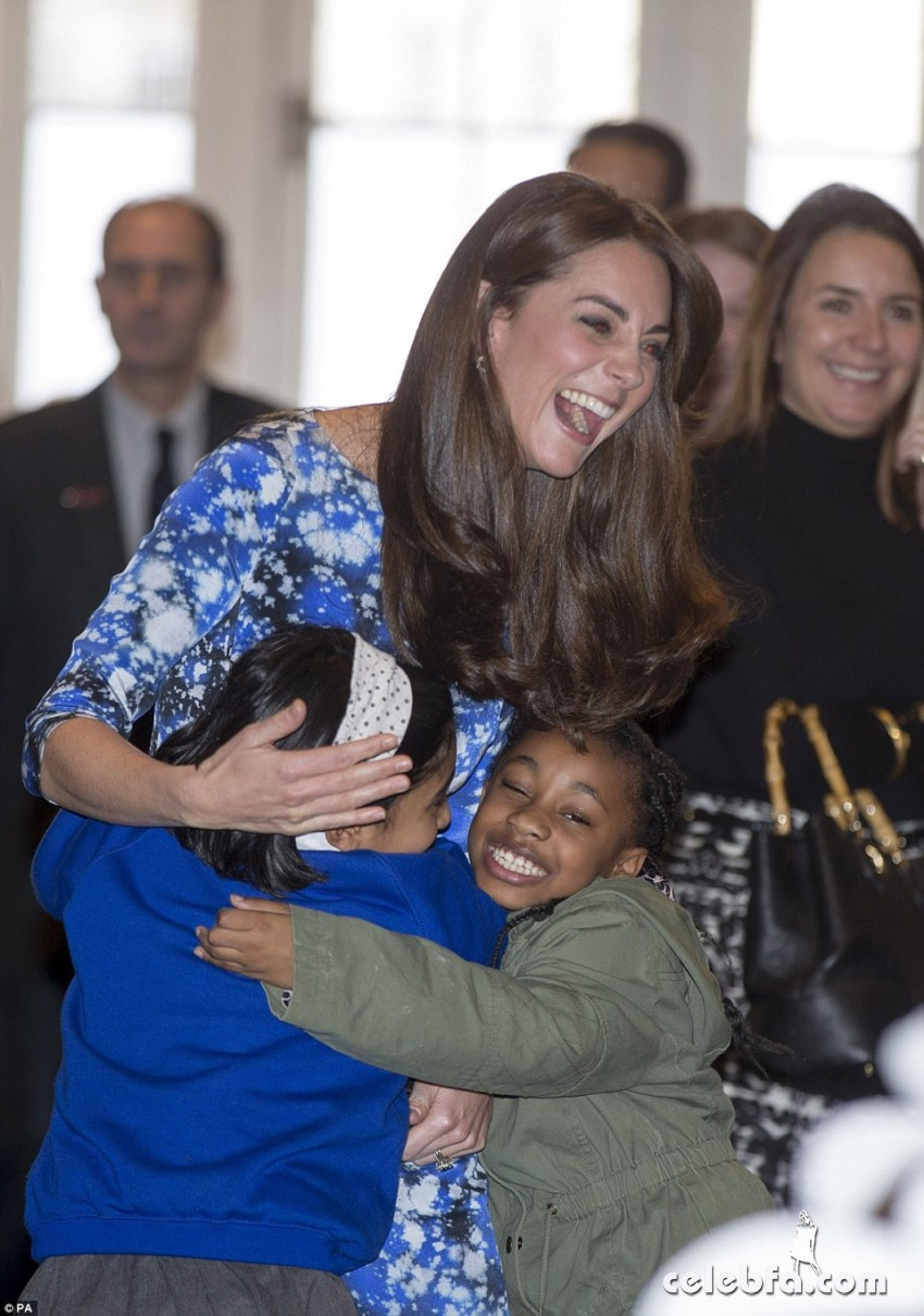 kate-middleton-baftahheadquarters-piccadilly-in-london  (6)
