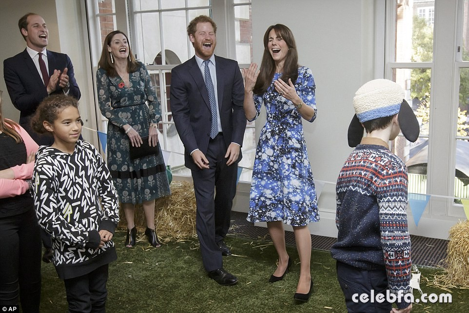 kate-middleton-baftahheadquarters-piccadilly-in-london  (8)