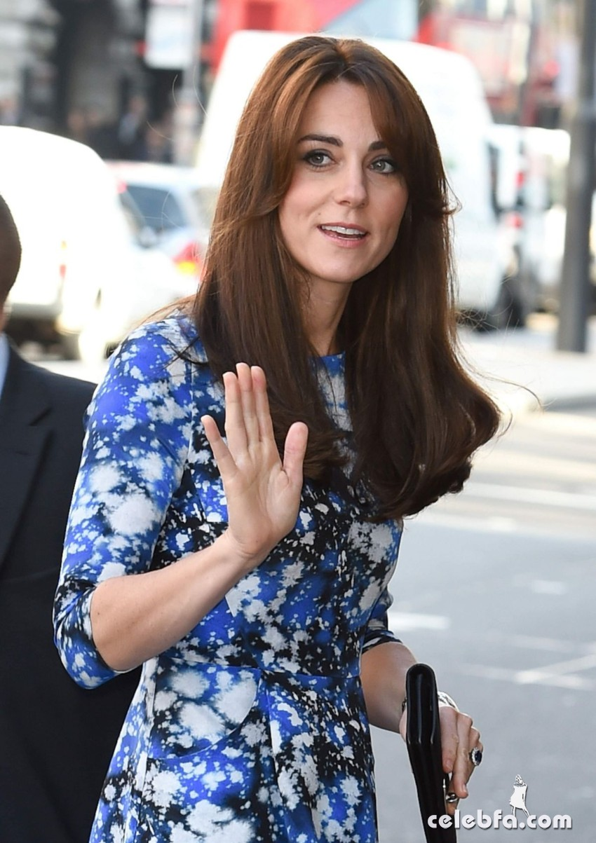 kate-middleton-baftahheadquarters-piccadilly-in-london  (9)
