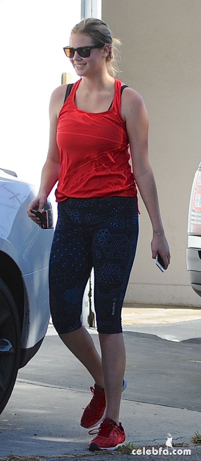 kate-upton-arrives-at-a-gym-in-west-hollywood (2)
