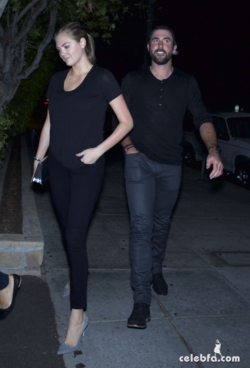 kate-upton-arrives-at-nobu-restaurant-in-los-angeles (1)