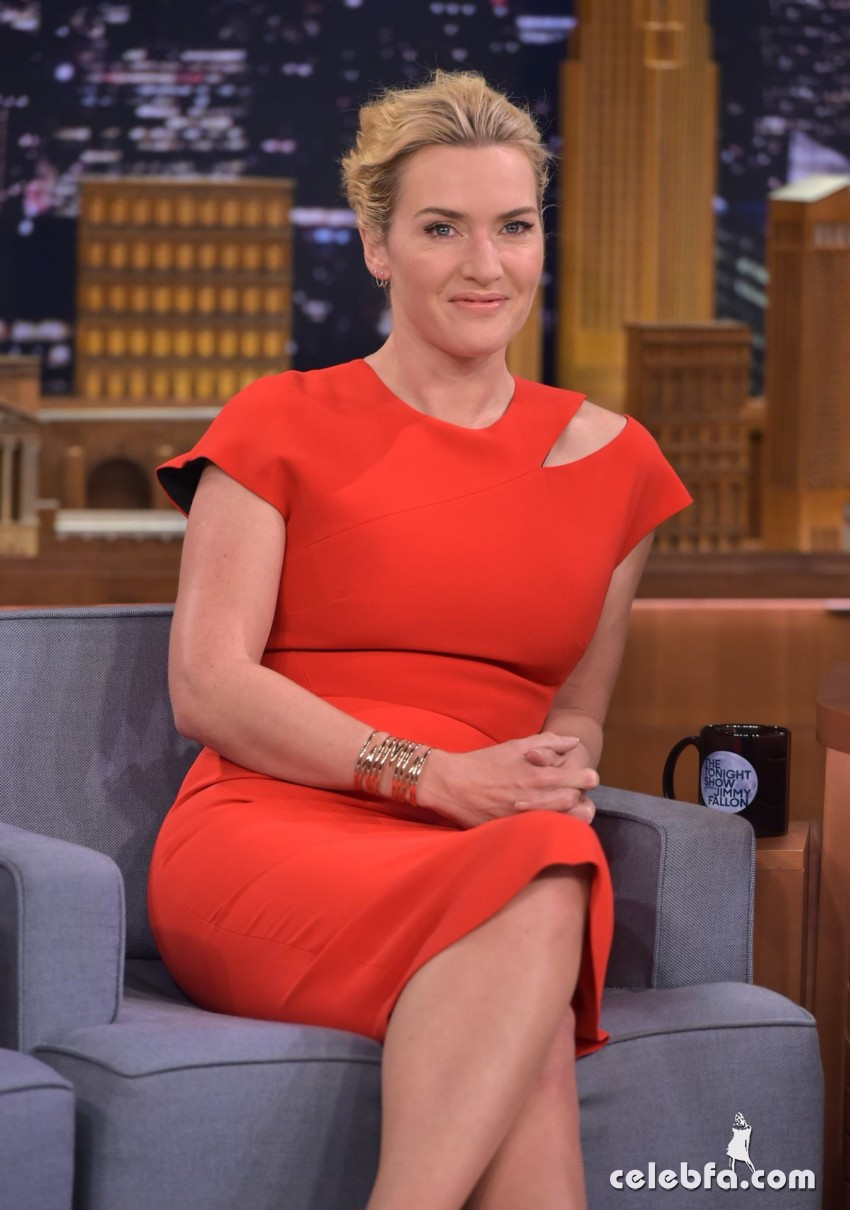 kate-winslet-at-tonight-show-with-jimmy-fallon (1)