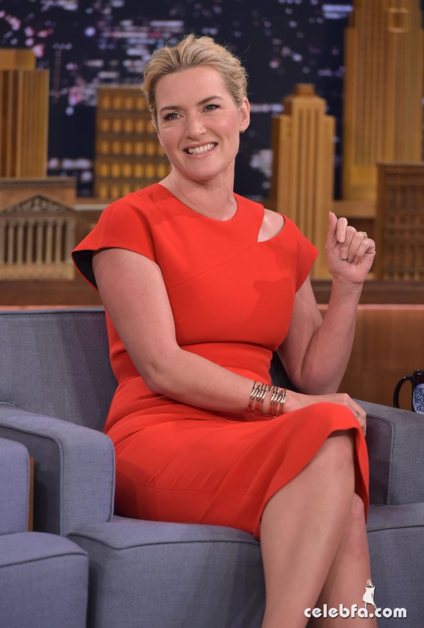 kate-winslet-at-tonight-show-with-jimmy-fallon (2)