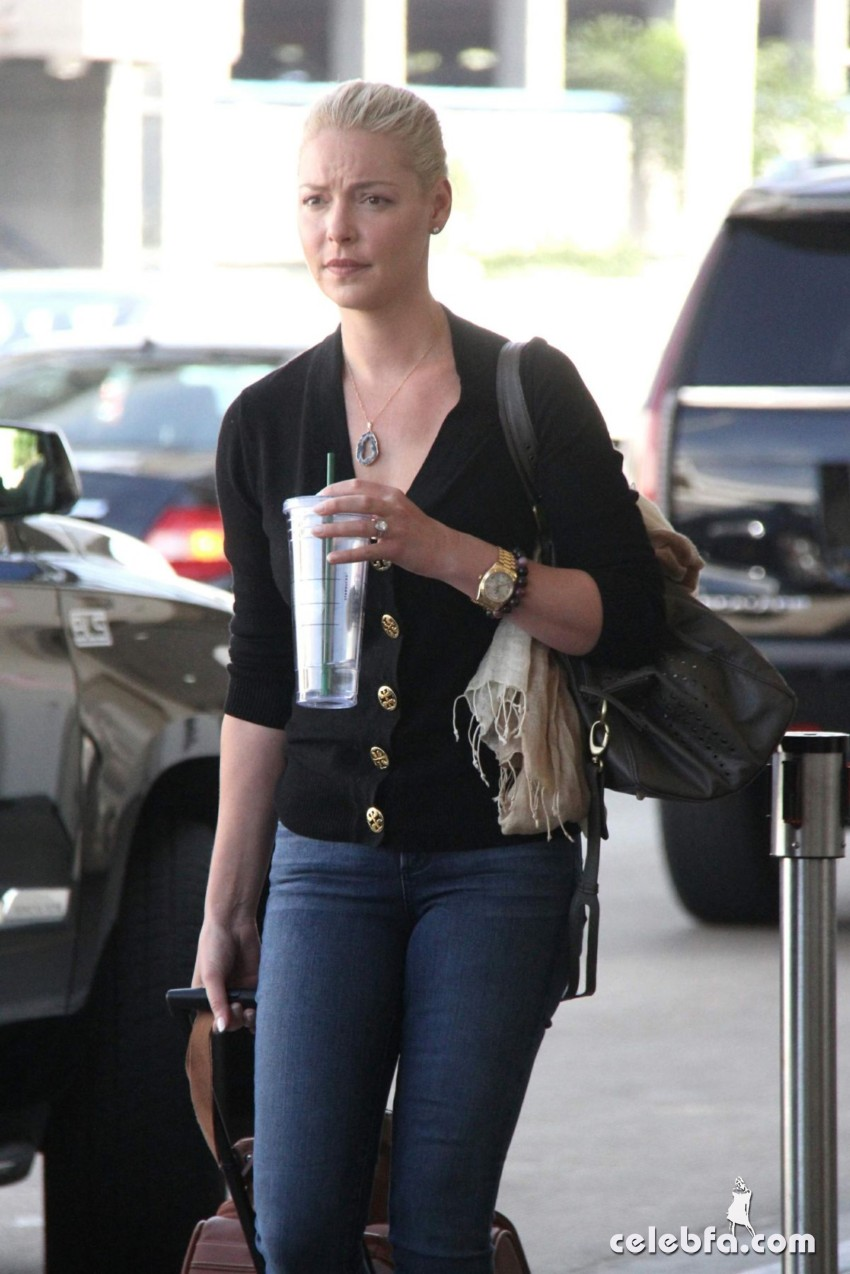katherine-heigl-at-los-angeles-international-airport (1)