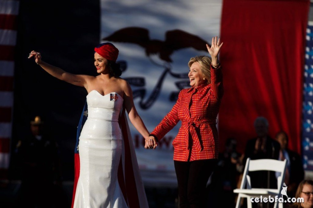 katy-perry-at-rally-for-hilary-clinton-campaign (2)