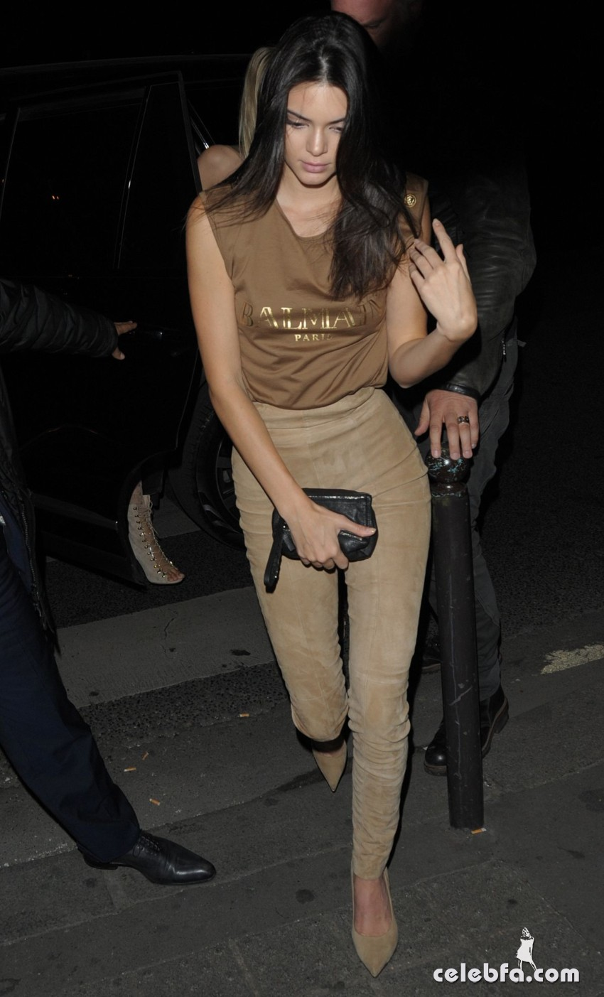 kendall-jenner-at-balmain-fashion-show-after-party-in-paris (4)